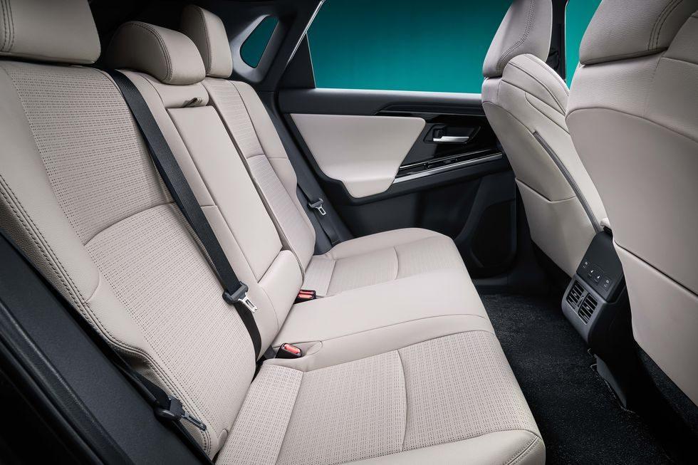 toyota-bz4x-rear-seats